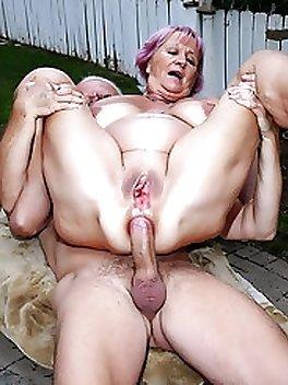Old Granny Nude